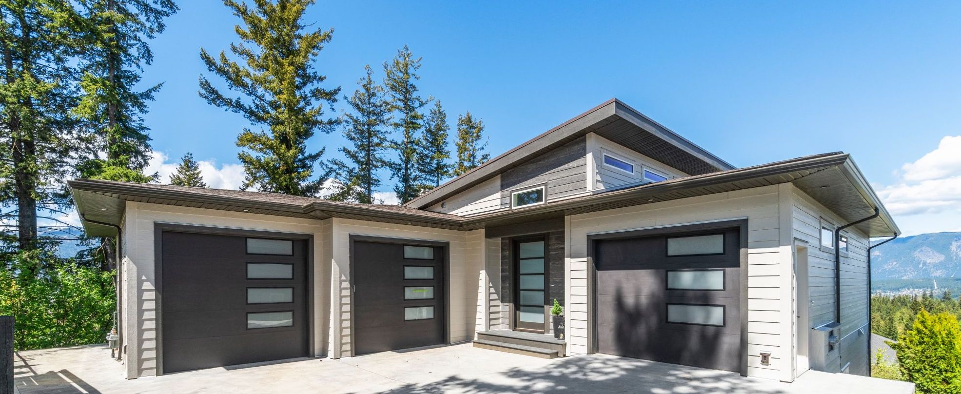 1411 9th ave for sale